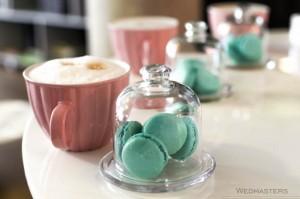 Saldaus stalas su kava ir makaronais