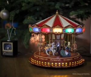 Kalėdinis dekoras su karusele