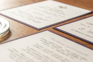 vestuvių-vietimai su herbu ir violetiniu krašteliu